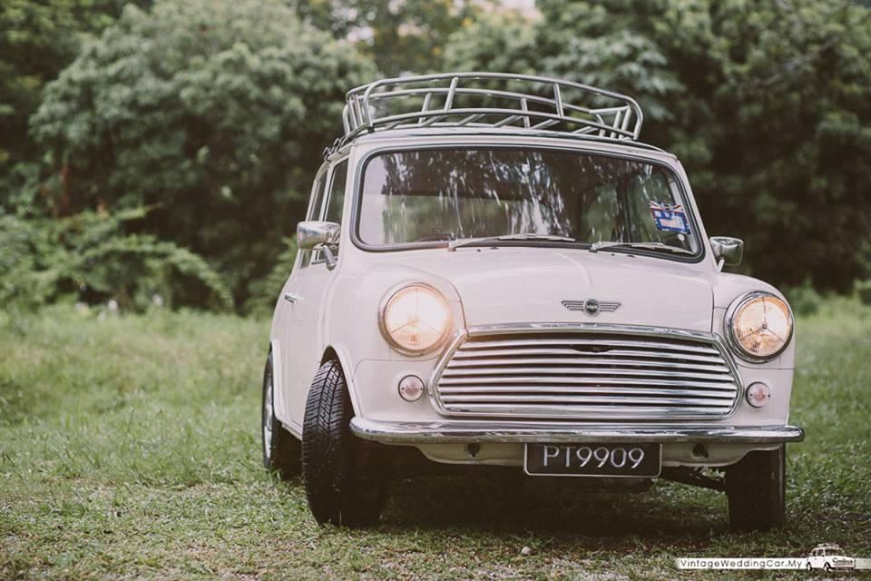 vintage wedd car 2