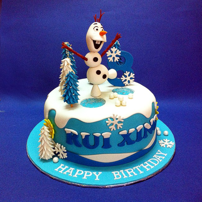 Olaf cake by CakeDeliver
