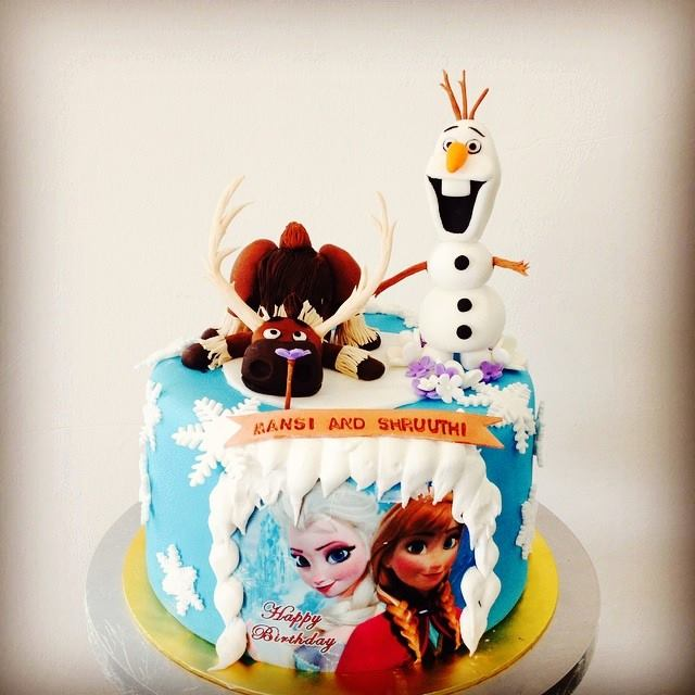 Sven and Olaf cake by Foret Blanc