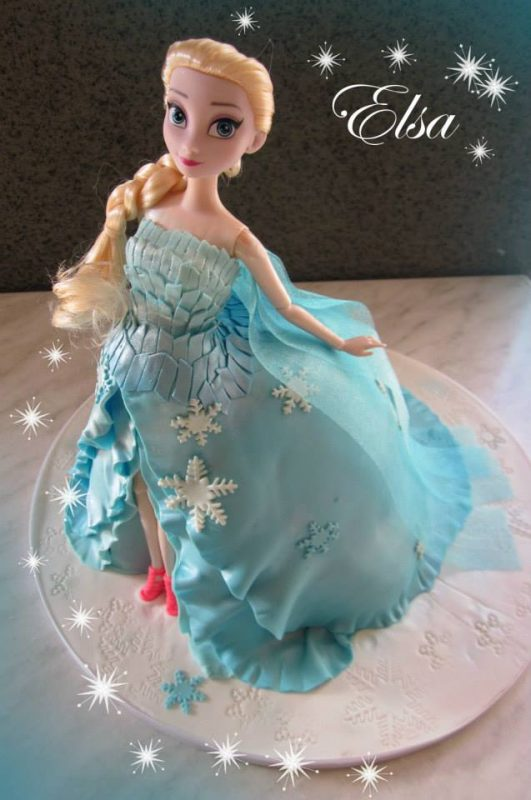 Elsa doll cake from frozen movie by Little Collins Cafe