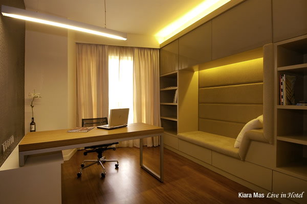 With a home office like this, why mess it up with network cables? Design by Be In Design Solutions, Setapak