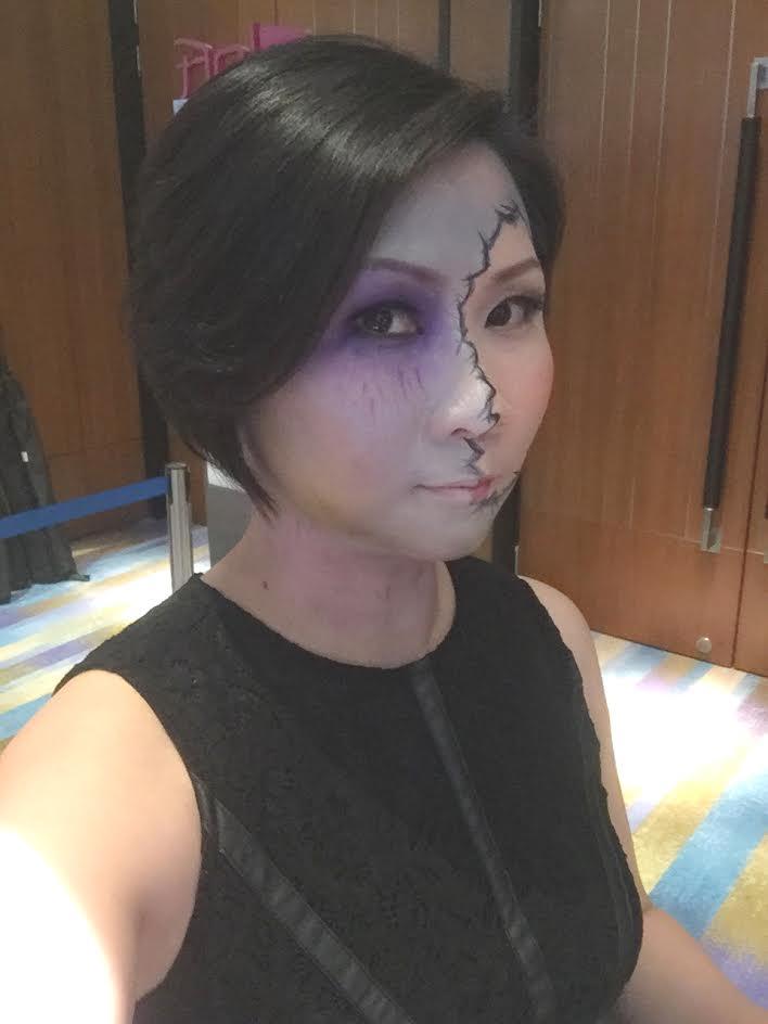 Hire a makeup artist at RecomN.com