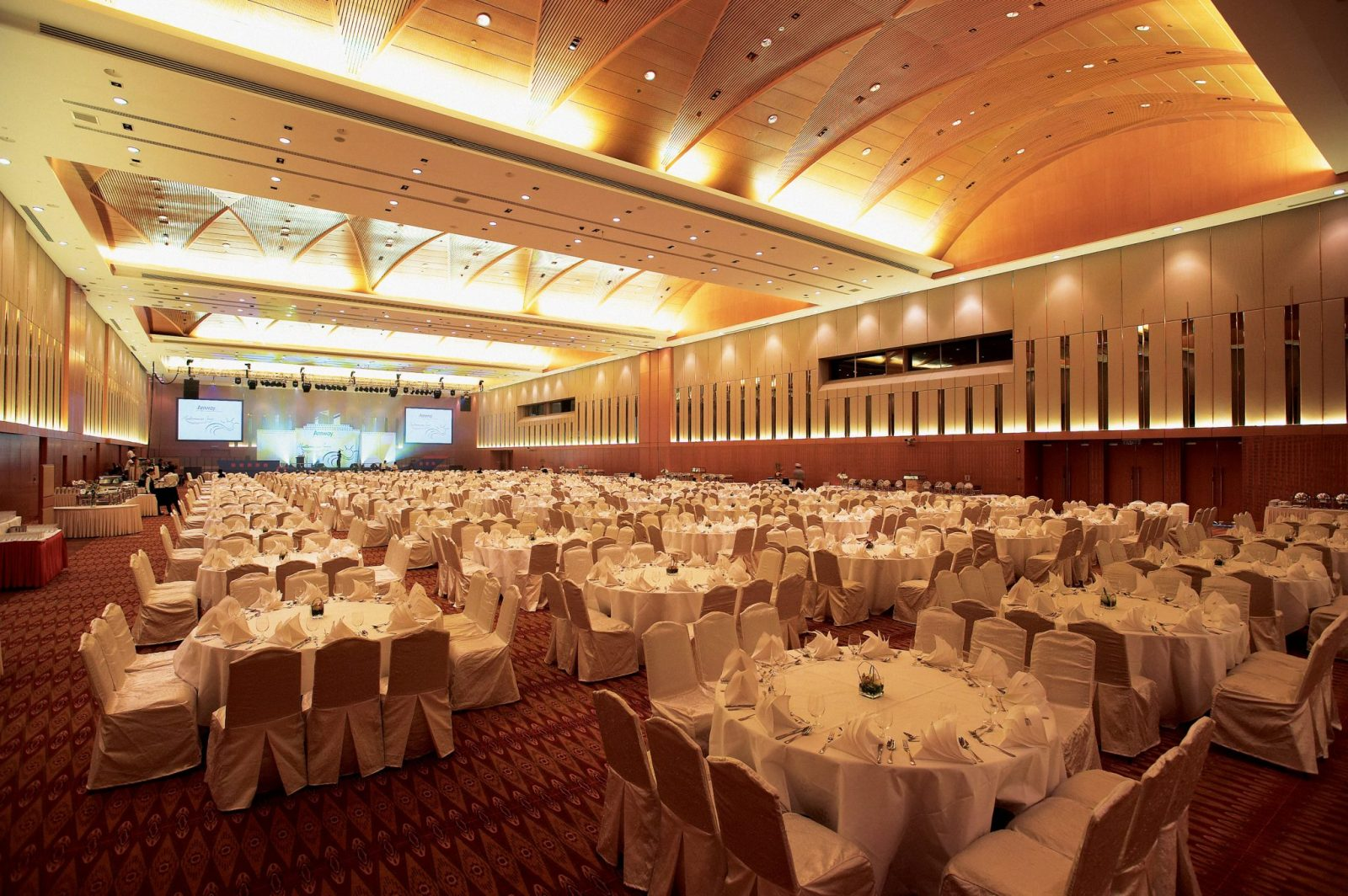 KLCC Convention Centre Grand Ballroom Banquet Style Setup and Wedding Package