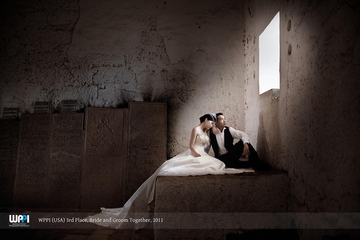 Award-winning wedding photo. 3rd Place, Bride and Groom Together Category - Weddings and Portraits Photographer International (WPPI) 2011. Source:Eyeshot Studio