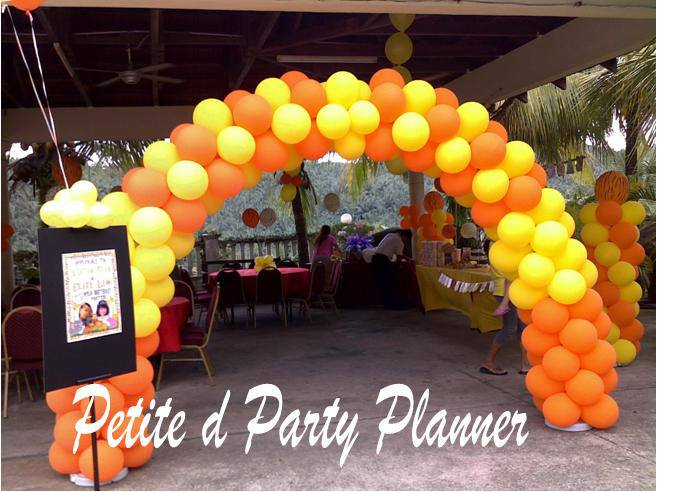 PETITE PARTY PLANNER. Source.