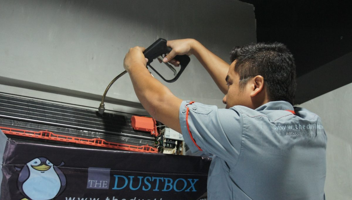 Hydro cleaning by The Dustbox Aircon Services. Source.