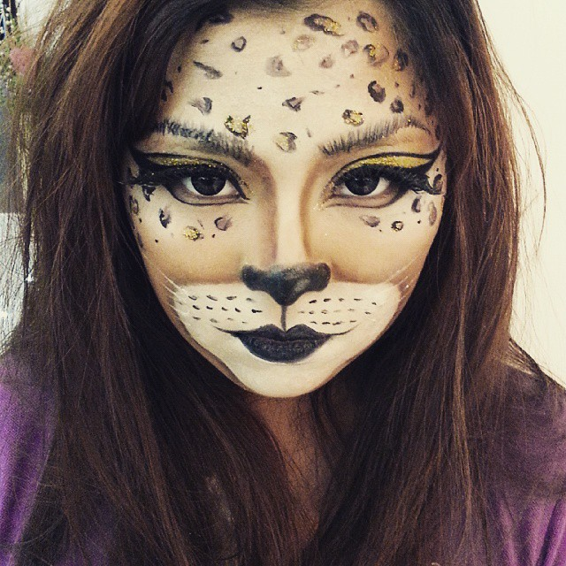 Leopard makeup by dymiilim. Source.