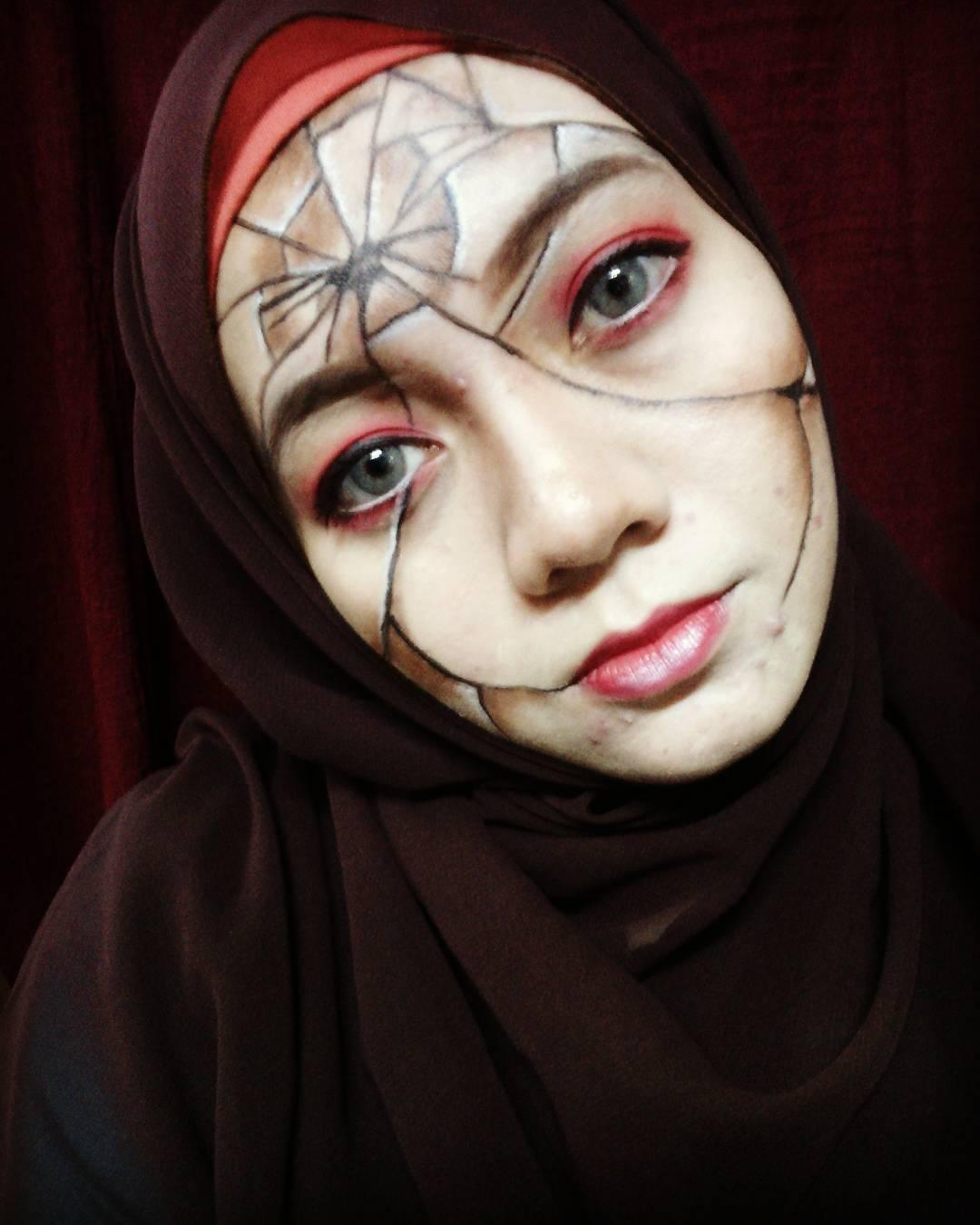 Makeup by engku.nuraini. Source.