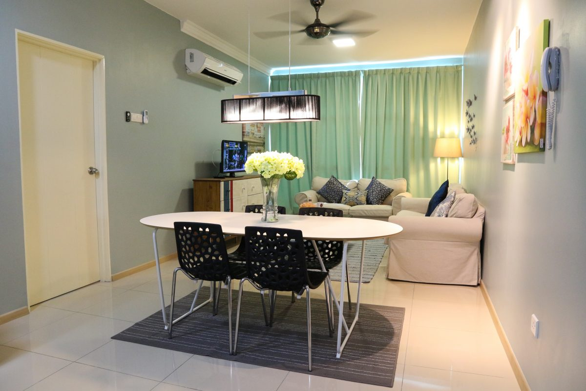 vista alam interior design homestay - dining area