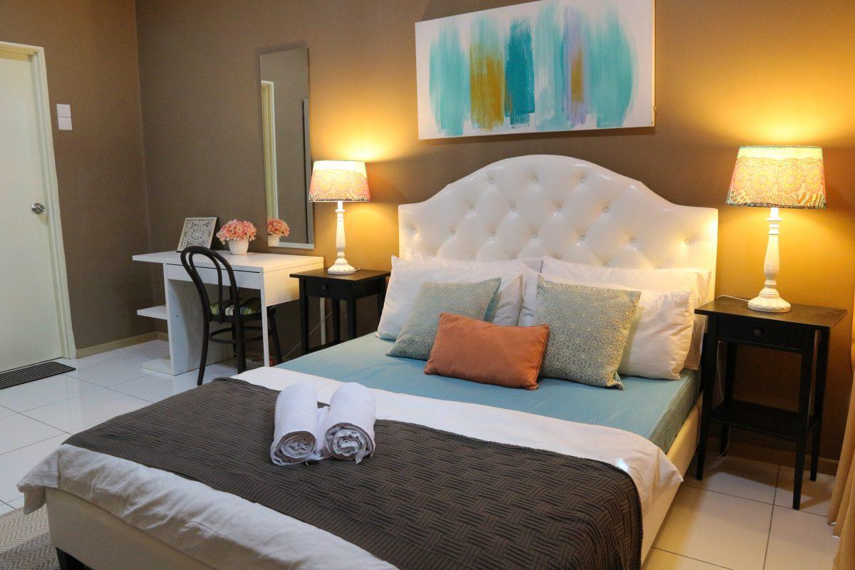vista alam interior design homestay - master bedroom
