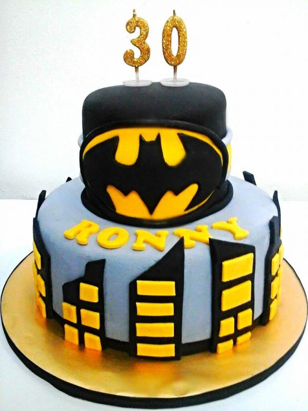 15 Awesome Superhero Cakes Recommend My Living