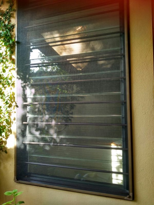 Mosquito screen. Source: family screen protect