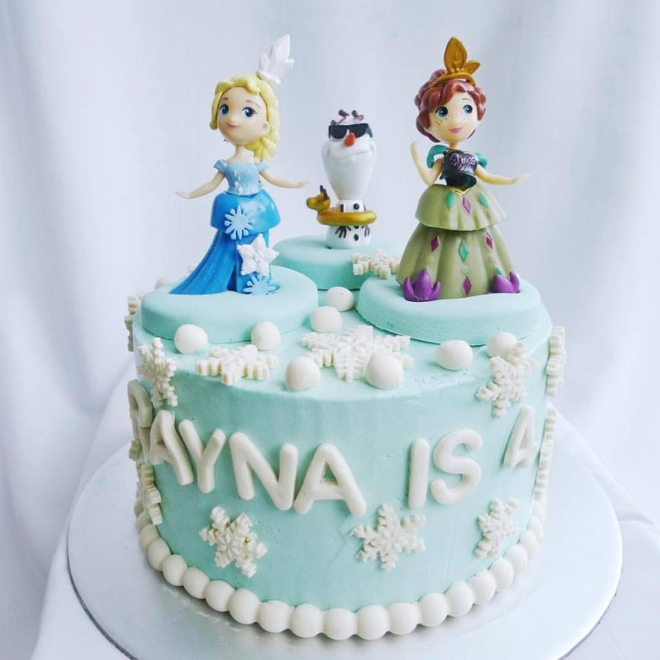 Elsa, Anna and Olaf princess cake. Made by: Corine and Cake. Order in Singapore at Recommend.sg