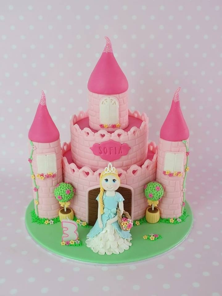 Another princess cake with a pink castle. Lovely!. Made by: Little House of Dreams.Order in Singapore at Recommend.sg