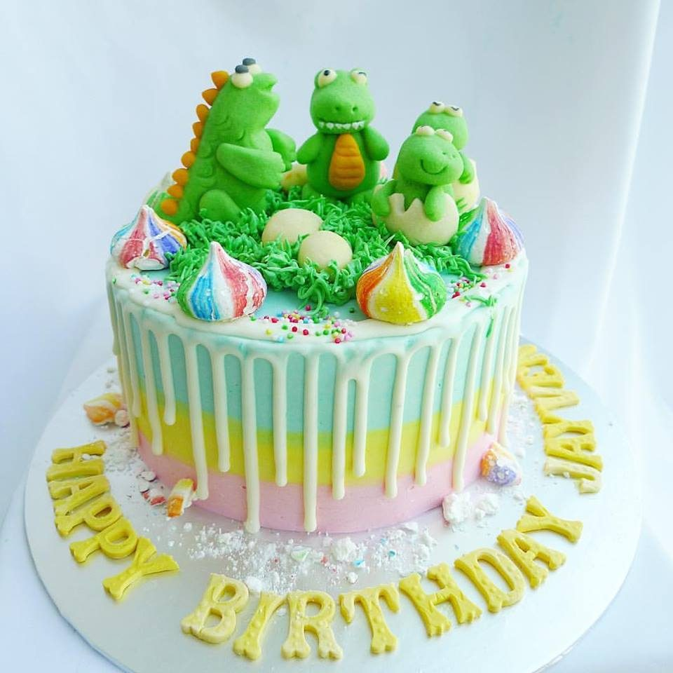 Drip Cake with Cute Dinosaur Family by Corine and Cake