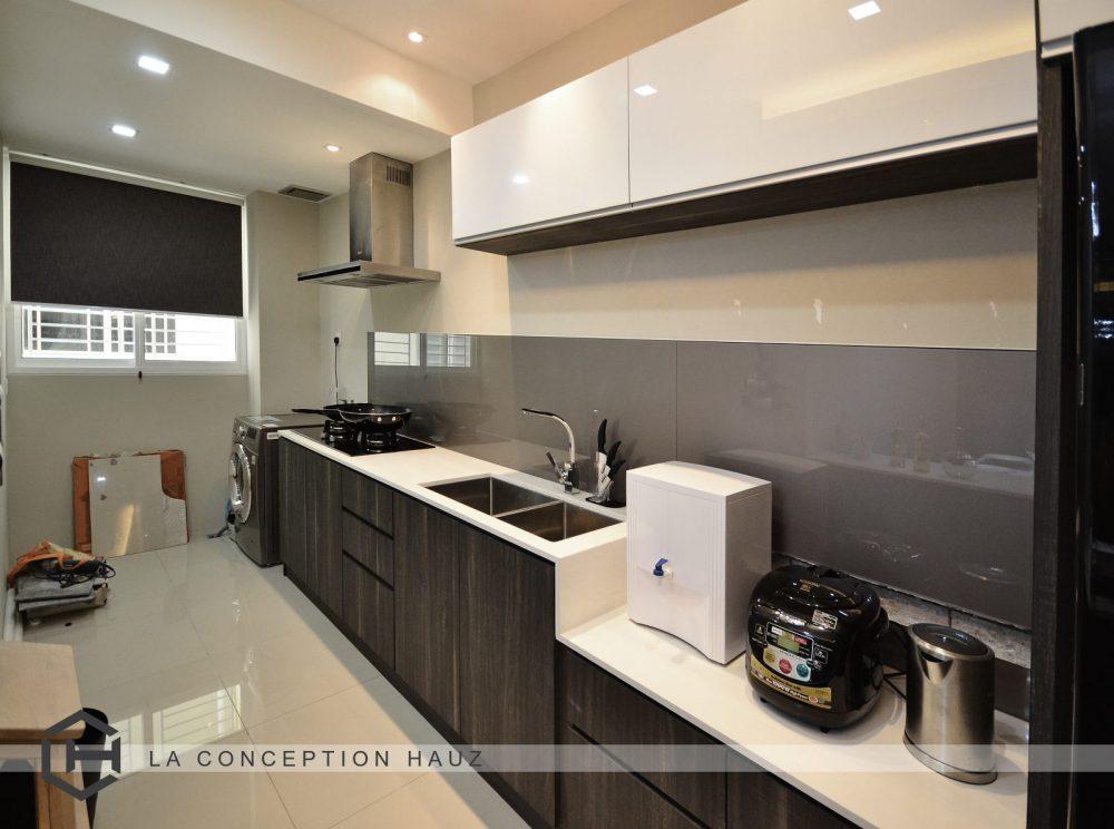 Kitchen design for Condominium in Platinum Victory 16, Setapak. Project by: La Conception Hauz