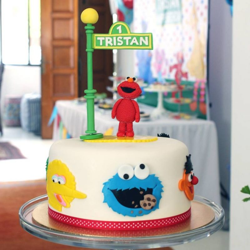 Elmo cake from Sesame Street by Little House of Dreams Singapore - Recommend.sg
