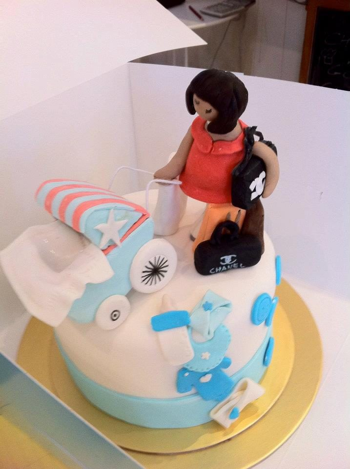 A cake that shows the stylish new mother with an assortment of luxury items. Made by:My Fat Lady Cakes and Bakes Singapore - Recommend.sg