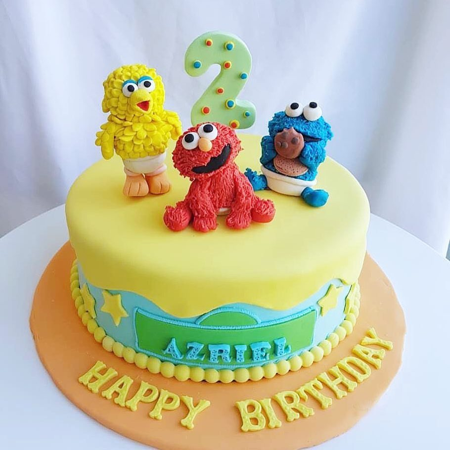 Baby elmo cake by Corine and Cake - Recommend.sg