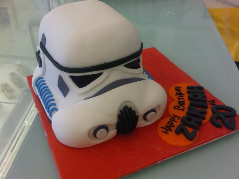 Star Wars stormtrooper cake by Bonheur Patisserie Singapore - Recommend.sg