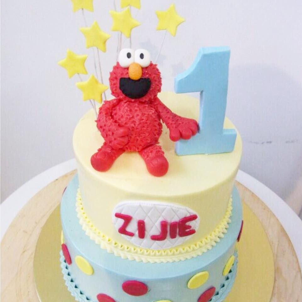 Two tier elmo cake by Corine and Cake - Recommend.sg