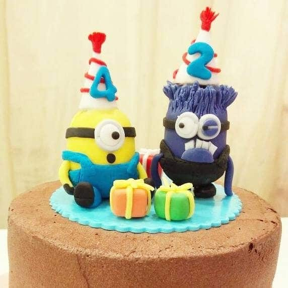24 Minion Cake Designs You Can Order Right Now