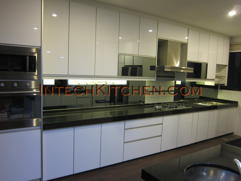 4G kitchen doors in Cahaya SPK Shah Alam by Intech Kitchen
