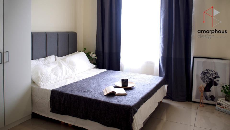 Indigo-themed bedroom for this studio in Setapak