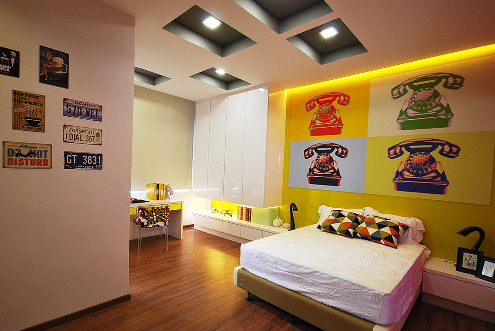 Warhol-inspired artwork dominates this retro bedroom in Ipoh South Precinct