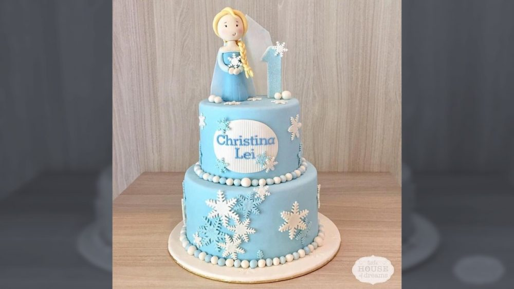 Sensational 18 Frozen Themed Birthday Cakes Which Can Be Customized Personalised Birthday Cards Paralily Jamesorg