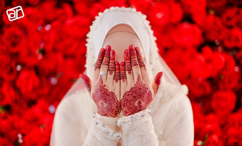 Muslim henna hands wedding photography by AR Studio - Malaysia Wedding Photographers at Recommend.my