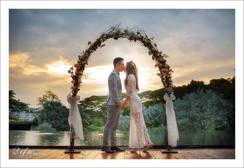 HortPark pre-wedding photoshoot in singapore by 2 Of Us Photography. Source