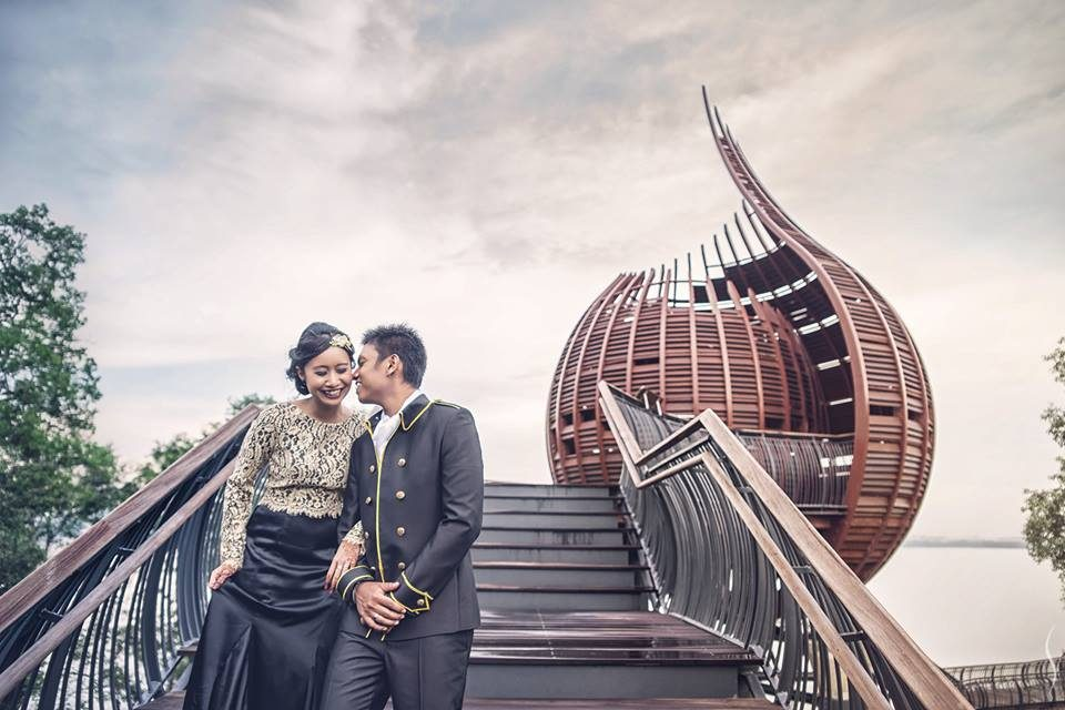 Sungei Buloh Wetland Reserve pre-wedding photoshoot in singapore by Simplifai Studios. Source
