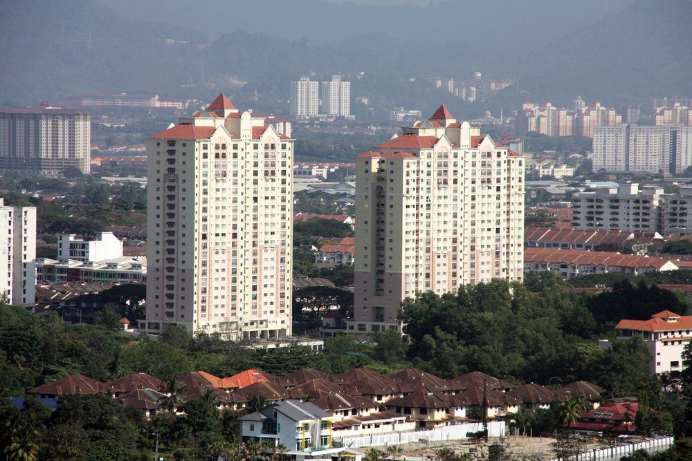 Above: Mont Kiara - the average rental was around RM2.65 per square foot. That translates to RM3,710 for a 1,400 sq ft rental condominium.