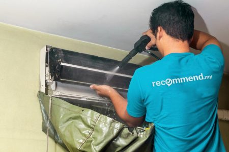 Aircon general cleaning for split unit by Recommend.my Malaysia