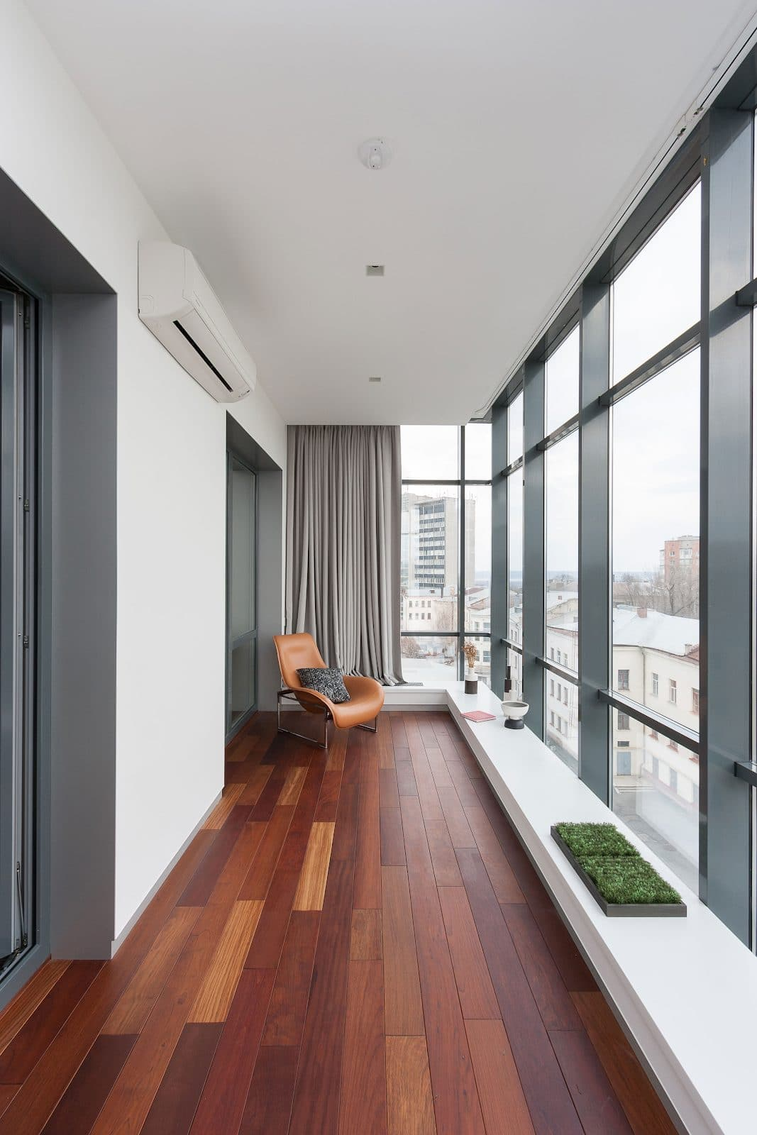 These Glass Balcony Renovations Will Add a New Beautiful Space to Your Home