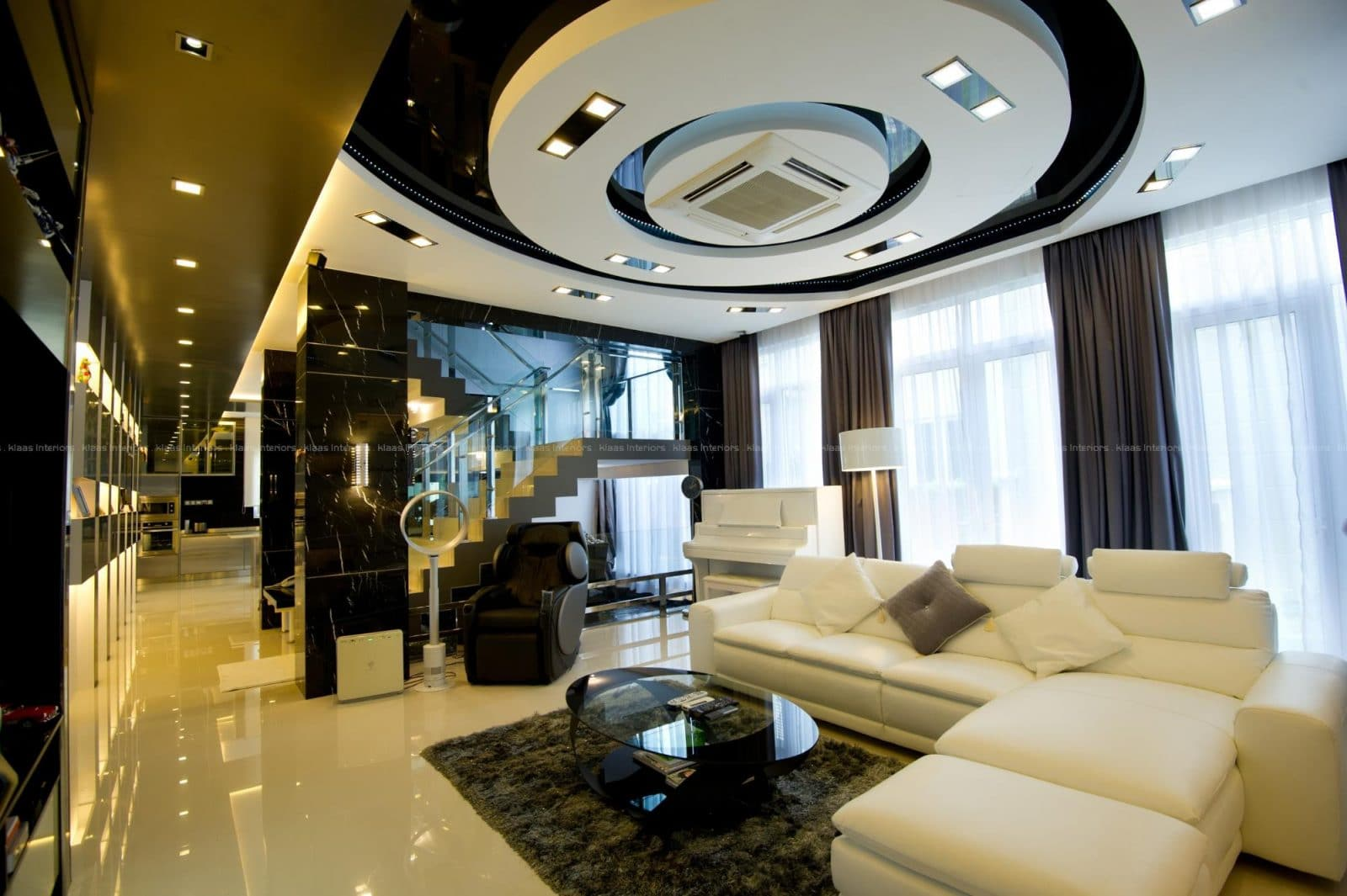 bungalow design with curved high ceiling design