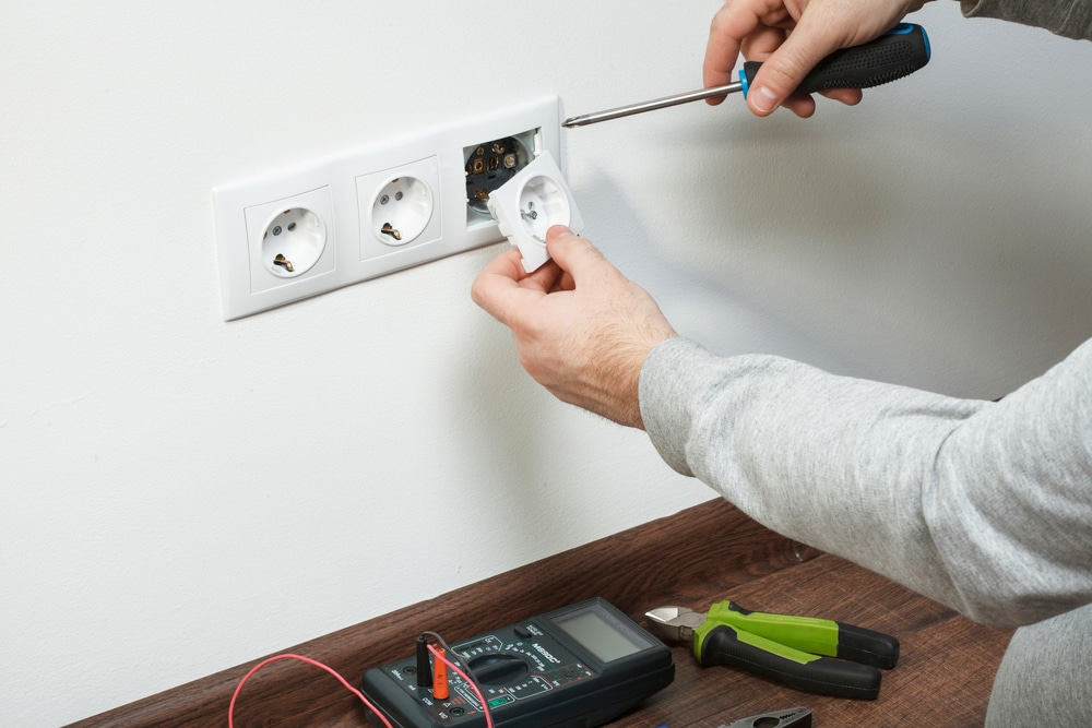 How Much Do Electrical And Wiring Services Cost In