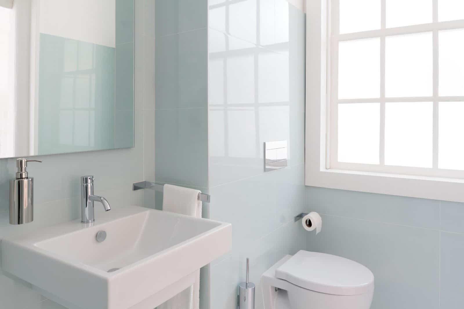 Roller blinds for the bathroom