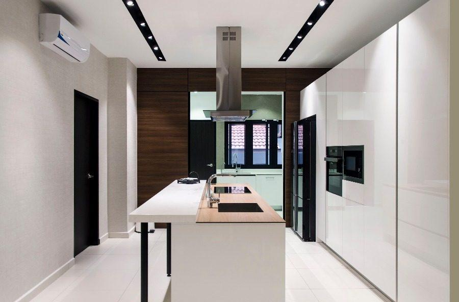 Dapur basah dengan kitchen cooker hood