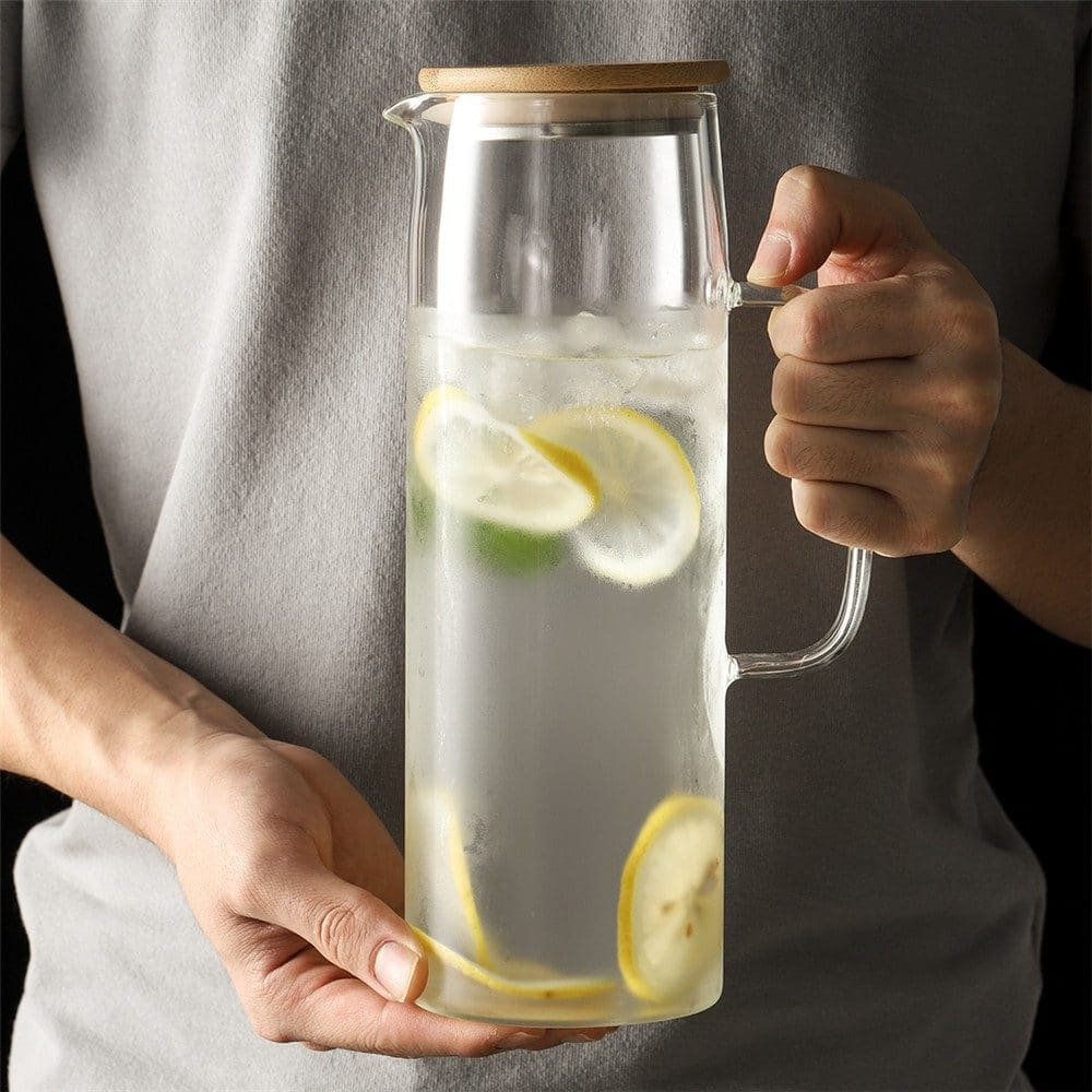 ONEISALL Large-Capacity Heat-Resistant Glass Water Jug with Lid (1.3L)