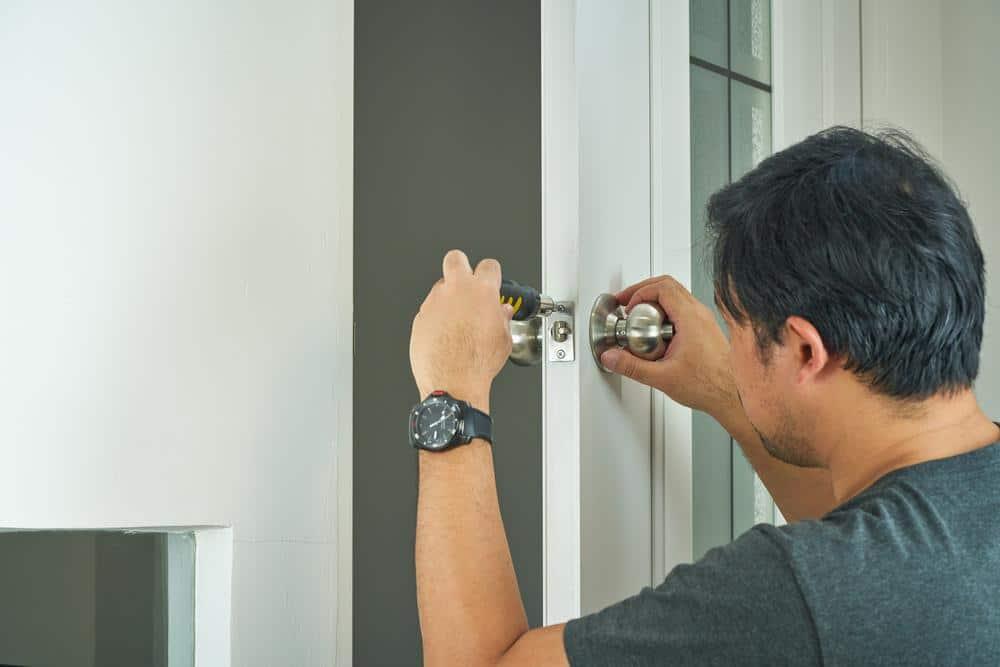 Handyman service in Malaysia for broken or jammed doorknobs