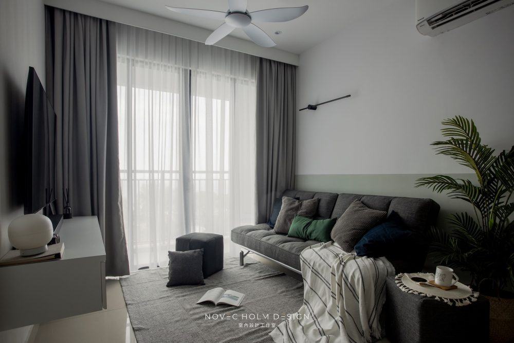 850 sqft Condominium at Iconic Vue, Batu Ferringhi by Novec Holm Design