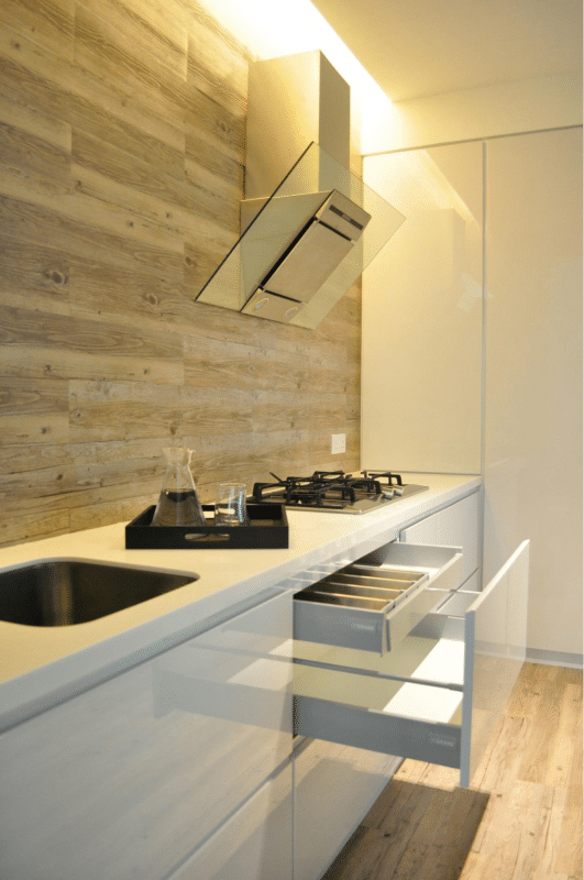 1550 sqft Condo kitchen Design in The Waterfront by Nevermore Design