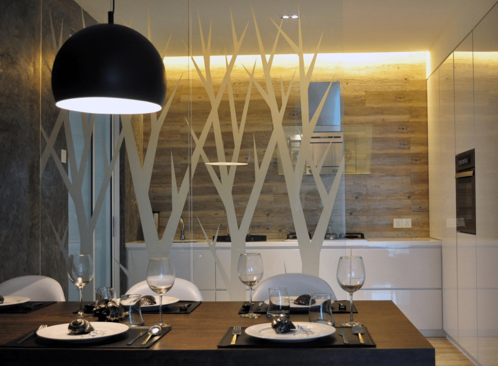 1550 sqft Condo dining room Design in The Waterfront by Nevermore Design