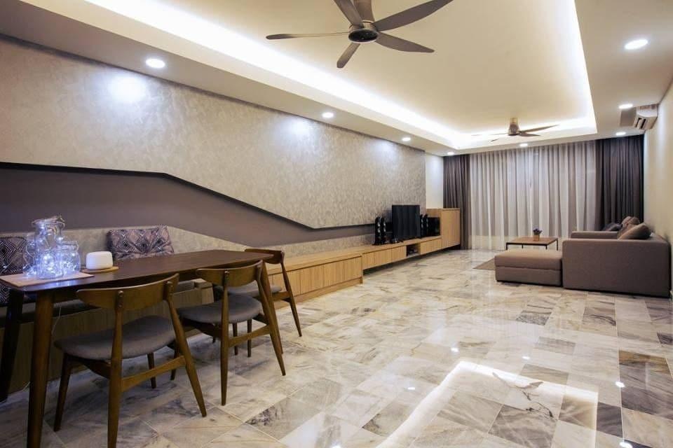 Ruang tamu luas gaya moden dengan lantai jubin marmar